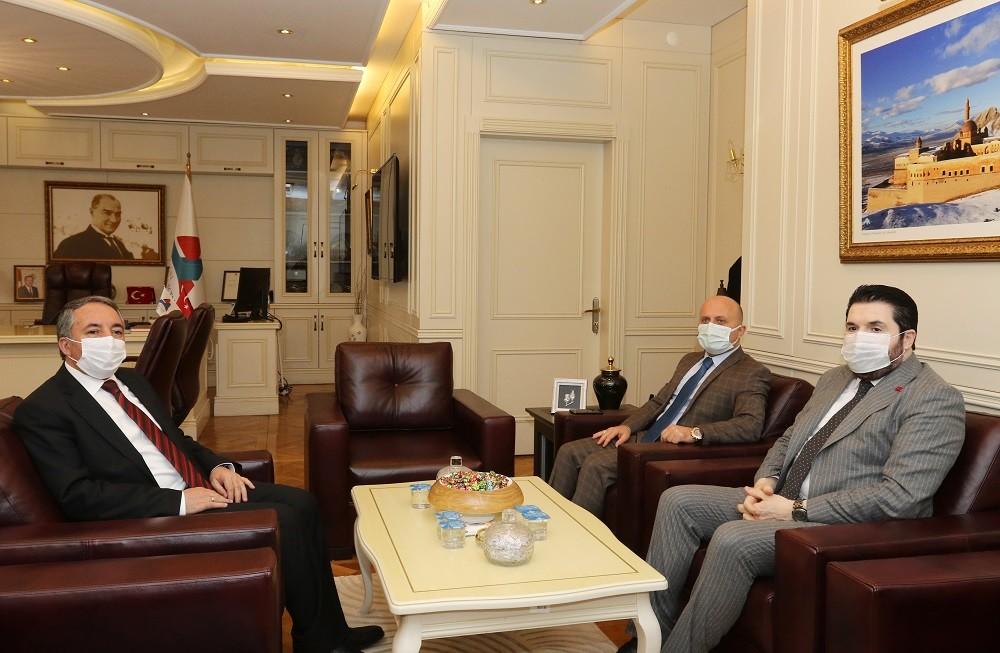 Vali Varol ile Belediye Başkanı Sayan, AİÇÜ Rektörü Karabulut'u ziyaret etti