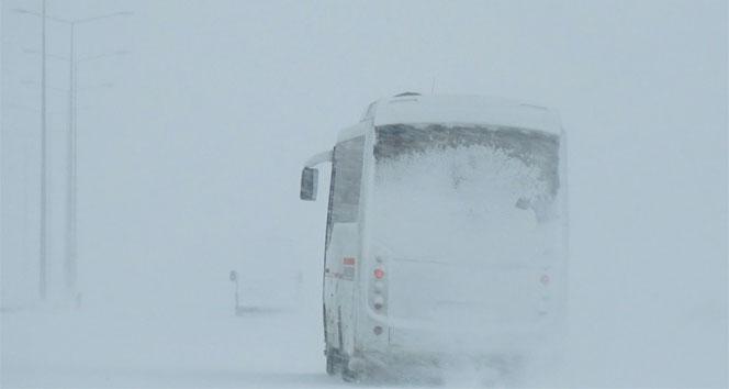 Ağrı Doğubayazıt -Çaldıran kara yolu ulaşıma kapatıldı