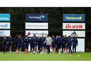 Fenerbahçe kampa girdi