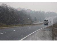 Bolu Dağı'nda hafif kar yağışı
