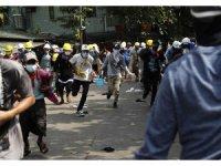 Myanmar'da polis, protestoculara ateş açtı: 6 ölü