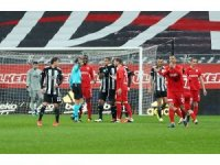 Süper Lig: Beşiktaş: 1 - Gaziantep FK: 0 (İlk yarı)