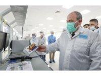 Bakan Varank, Xiaomi'nin Avcılar'daki akıllı telefon fabrikasını ziyaret etti