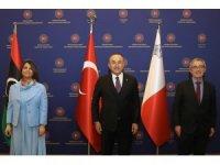 Bakan Çavuşoğlu, Libya ve Maltalı mevkidaşları ile bir araya geldi