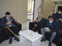 Ağrı Huzurevi sakinlerinden Merkez Cami inşaatına yardım