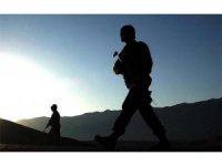PKK'lı bir terörist daha güvenlik güçlerine teslim oldu