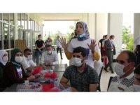 Ailelerden CHP'ye, 'çekin elinizi HDP'den' tepkisi