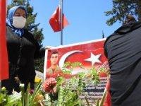 """Evlat nöbetindeki aileler: """"PKK ile İsrail aynıdır"""""""