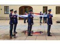 Çekya, Prag Kalesi'ne İsrail bayrağı astı