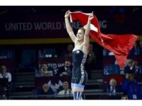 Buse Tosun, Poland Open Güreş Turnuvası'nda gümüş madalya kazandı