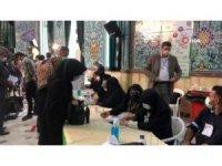 İran'da halk cumhurbaşkanlığı seçimi için sandık başında