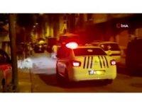 Esenler'de asker konvoyunu polis ekipleri anons yaparak dağıttı
