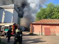 Rusya'da havai fişek deposundaki yangın helikopterlerle söndürüldü