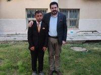 Ağrı Belediye Başkanı Sayan'dan down sendromlu vatandaşa bayram sürprizi