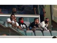 Galatasaray'ın yenileri tribünde