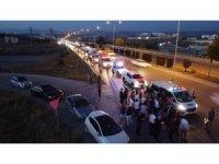 Türkiye'ye yardıma gelen Azerbaycanlı ekibe sevgi seli