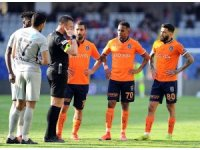 Başakşehir son 4 haftada 7 puan kaybetti