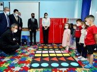 Milli Eğitim Bakanı Özer öğrencilerle oyunlar oynadı