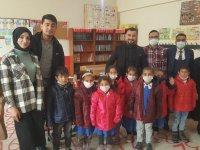 Ağrı'da hayırseverlerden toplanan yardımlar öğrencilere dağıtıldı