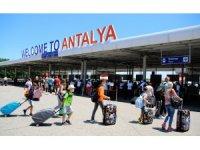 Antalya'ya 17 günde 1 milyon turist geldi