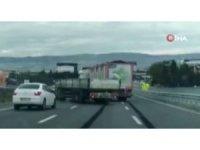 İki tır şoförünün inatlaşması kaza getirdi
