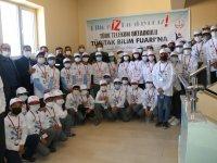 Ağrı'da öğretmen ve öğrencilerin hazırladığı TÜBİTAK Bilim Fuarı açıldı