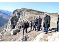 Diyanet İşleri Başkan Erbaş, Azerbaycan'ın işgalden kurtarılan topraklarında şehitler için dua etti