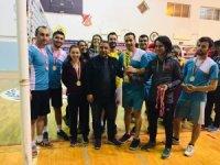öğretmenler voleybol turnuvasında bir araya geldi
