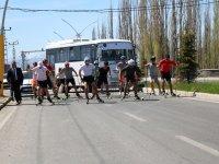 Ağrı'da 'Gençlik koşusu ve tekerlekli Kayaklı Koşu' yarışması