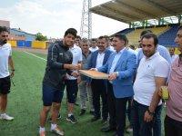 Milletvekili Çelebi'den Ağrıspor'a moral ziyareti