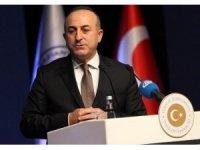 Çavuşoğlu ''Rejimin ateşle oynamaması gerekiyor''