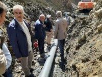 Eleşkirt Belediyesi dağları delip su getiriyor