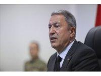 Milli Savunma Bakanı Hulusi Akar, Fransa Savunma Bakanı Florence Parly ile telefonda görüştü