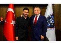 Enver Cenk Şahin'e bir destek de Başakşehir'den geldi