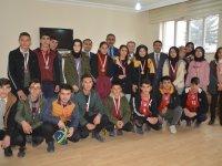 Eleşkirt'te Turnuvada dereceye giren sporculara madalya verildi