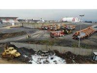İBB'nin mazot tankeri beş metrelik duvardan aşağıya devrildi, faciadan dönüldü