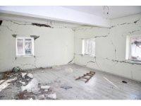 Malatya'da 4 bin 128 konut ağır hasar gördü