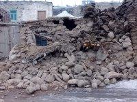 İran'daki deprem Van ve Ağrı'da da hissedildi, can kaybı var !