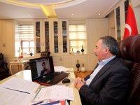 AİÇÜ Rektörü Prof. Dr. Karabulut Öğrencilerin Sorularını Yanıtladı