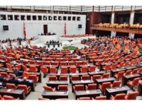 TBMM Genel Kurulu'nda AK Parti'li milletvekillerinden muhalefete tepki