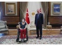 Cumhurbaşkanı Erdoğan, milli voleybolcu Meltem Çetin'i kabul etti