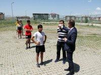 Ağrı Milli Eğitim Müdürü Tekin, yetenek sınavına hazırlanan öğrenciye destek oldu
