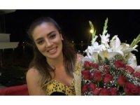 Cem Belevi'den sevgilisine sette ilk gün çiçeği