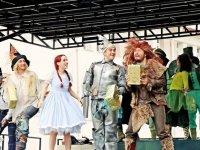 'Oz Büyücüsü' oyunu Tutak ilçesinde sahne aldı