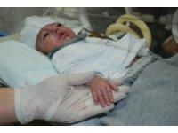 1,5 kilo doğan bebek yaşam mücadelesi veriyor