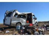 Tarım işçilerini taşıyan minibüs takla attı: 1 ölü, 25 yaralı