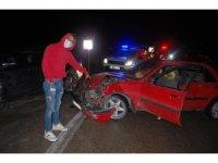 Kaygan zeminde feci kaza: 4 yaralı