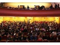 Polis 450 öğrenciyi tiyatroyla tanıştırdı