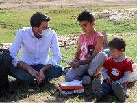 Ağrı'da THY çalışanı, öğrencilerin eğitimi için tablet kampanyası başlattı
