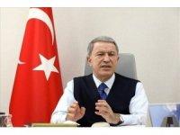 Bakan Akar'dan Yunan gazetesine tepki